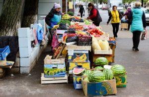 Губернатор призвал главу Смоленска навести порядок в уличной торговле