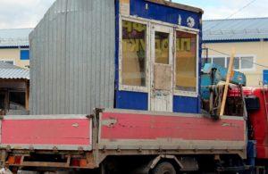 На улице Попова в Смоленске демонтировали незаконный ларек